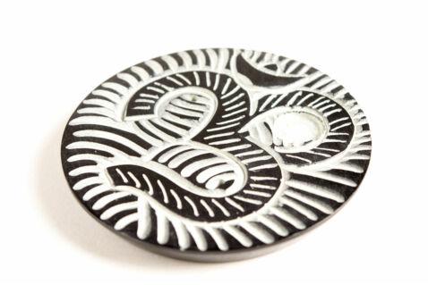 Füstölőtartó pálcikákhoz és kúpokhoz - fekete zsírkő - OHM mintával